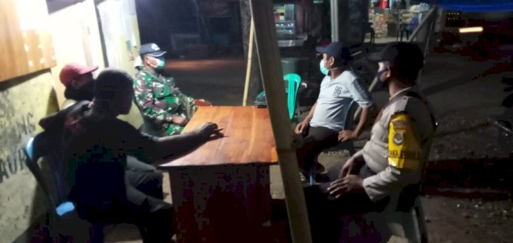 Anggota Personil Bhabinkamtibmas Bripka Firmon Tamonob Lakukan Patroli Dan Monitoring Di Posko Relawan