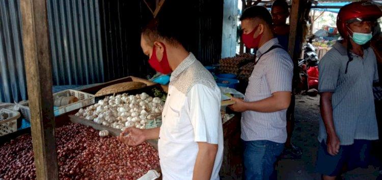 Satreskrim Polres Lembata Lakukan Pemantauan Stok Dan Harga Barang Terkait Pandemi Covid-19