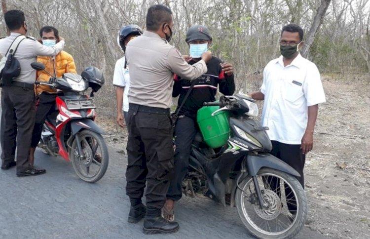 Polsubsektor Ile Ape Laksanakan Operasi Yustisi Penertiban Penggunaan Masker.