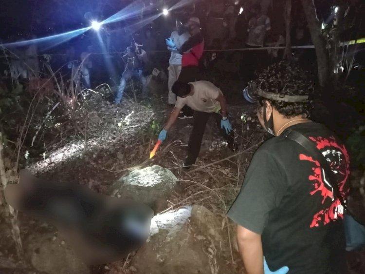 Satreskrim Polres Lembata Olah TKP Penemuan Mayat