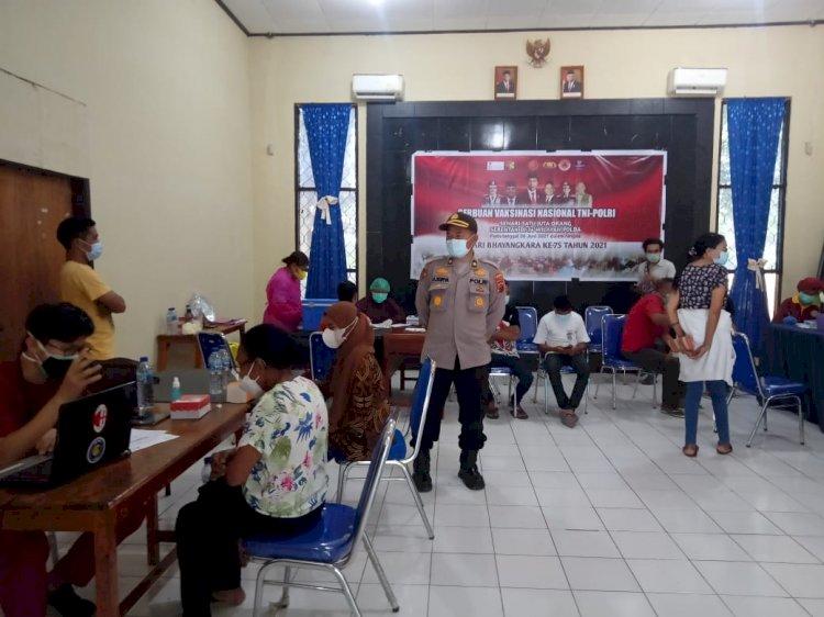 Masyarakat Antusias mengikuti Vaksinasi Massal Di Kabupaten Lembata.