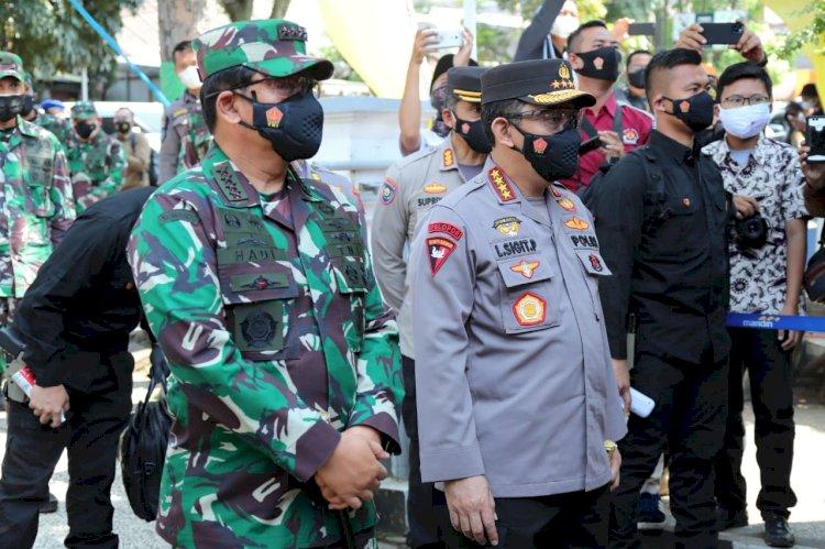 Polri Salurkan Bansos Sembako 723.773 Paket dan 3.863 Ton Beras Sepanjang PPKM Darurat Hingga Berlevel